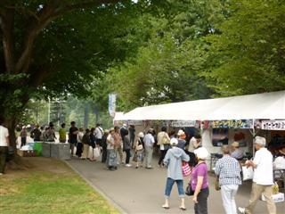 「炭火焼きさんまと特産品直売イベント」の様子(3)